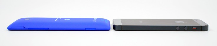 HTC 8X vs iPhone 5 Review - 01