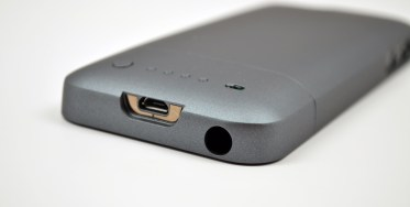 iPhone 5 Mophie Juice Pack Helium Review - 08