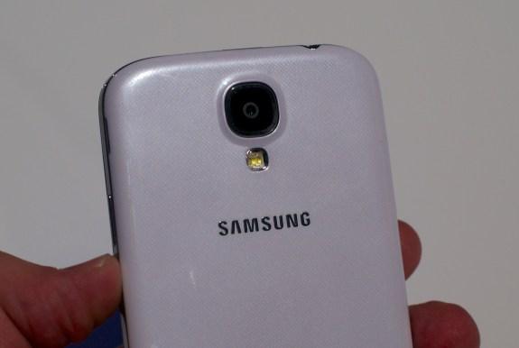 Samsung Galaxy S4 Design - Plastic