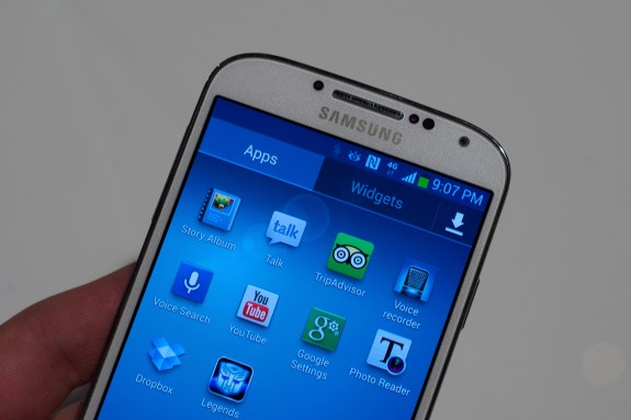 The Galaxy S4 display allows for touch less gestures.