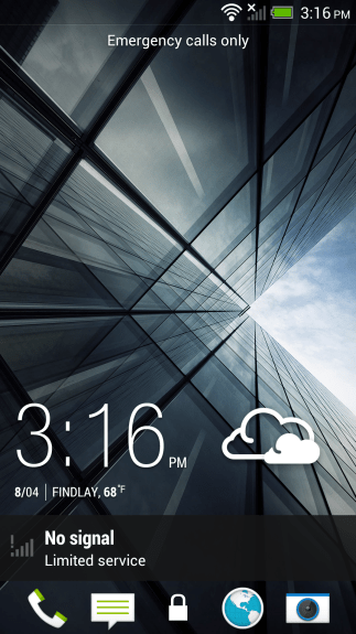 The HTC Sense 5 lock screen includes fast access to apps, time and weather.