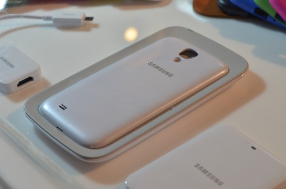 The Samsung Galaxy S4 Wireless Charging Kit looks set for a June release.