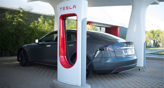 Tesla Model S Supercharger