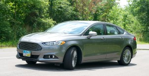 2013 Ford Fusion Review - 013