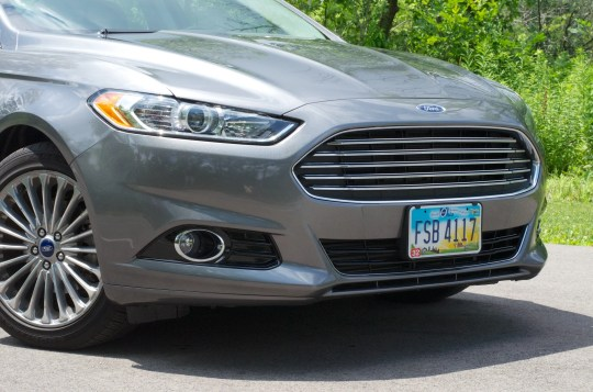 2013 Ford Fusion Review - 015