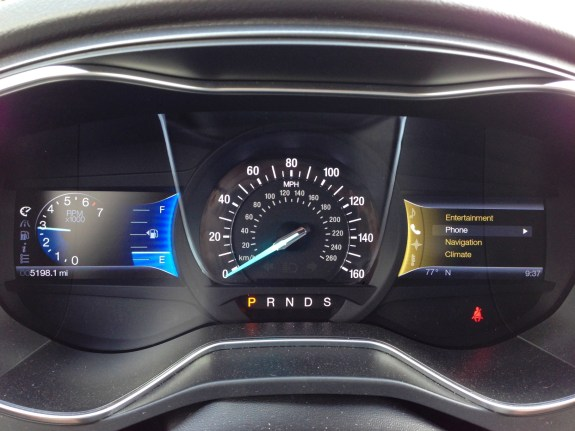 Fast access ot important information in the 2013 Ford Fusion.