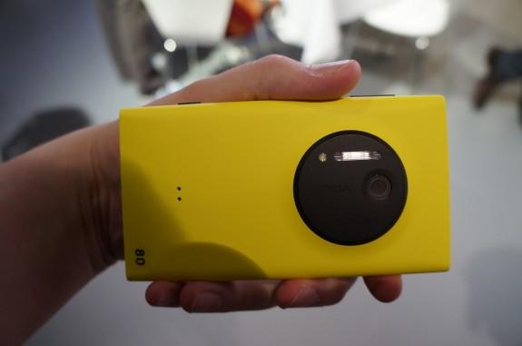 Nokia Lumia 1020 6