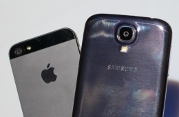 Samsung-Galaxy-S4-vs.-iPhone-5-014-575x341