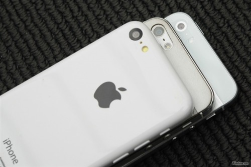 Photo of an iPhone 5S mockup shows a new camera look vs. the iPhone 5 and iPhone 5C.