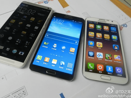 Another shot of the Galaxy Note 3 and HTC One max.