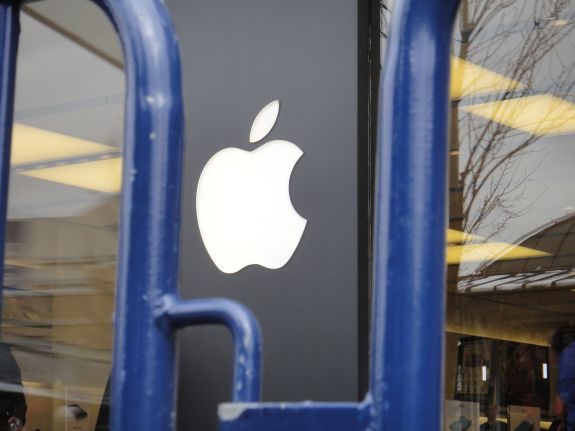 Here's when to line up for the iPhone 5s at an Apple Store.
