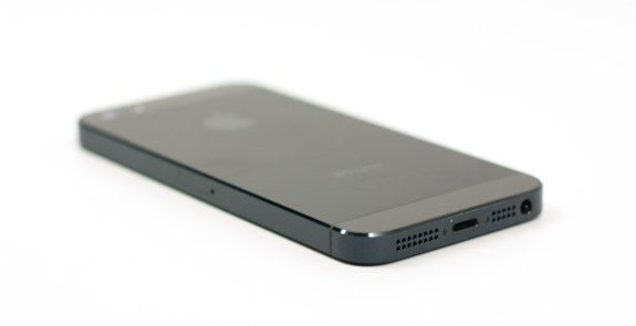 The iPhone 5S release has one Canadian carrier planning to discontinue the iPhone 5 32GB and 64GB models.