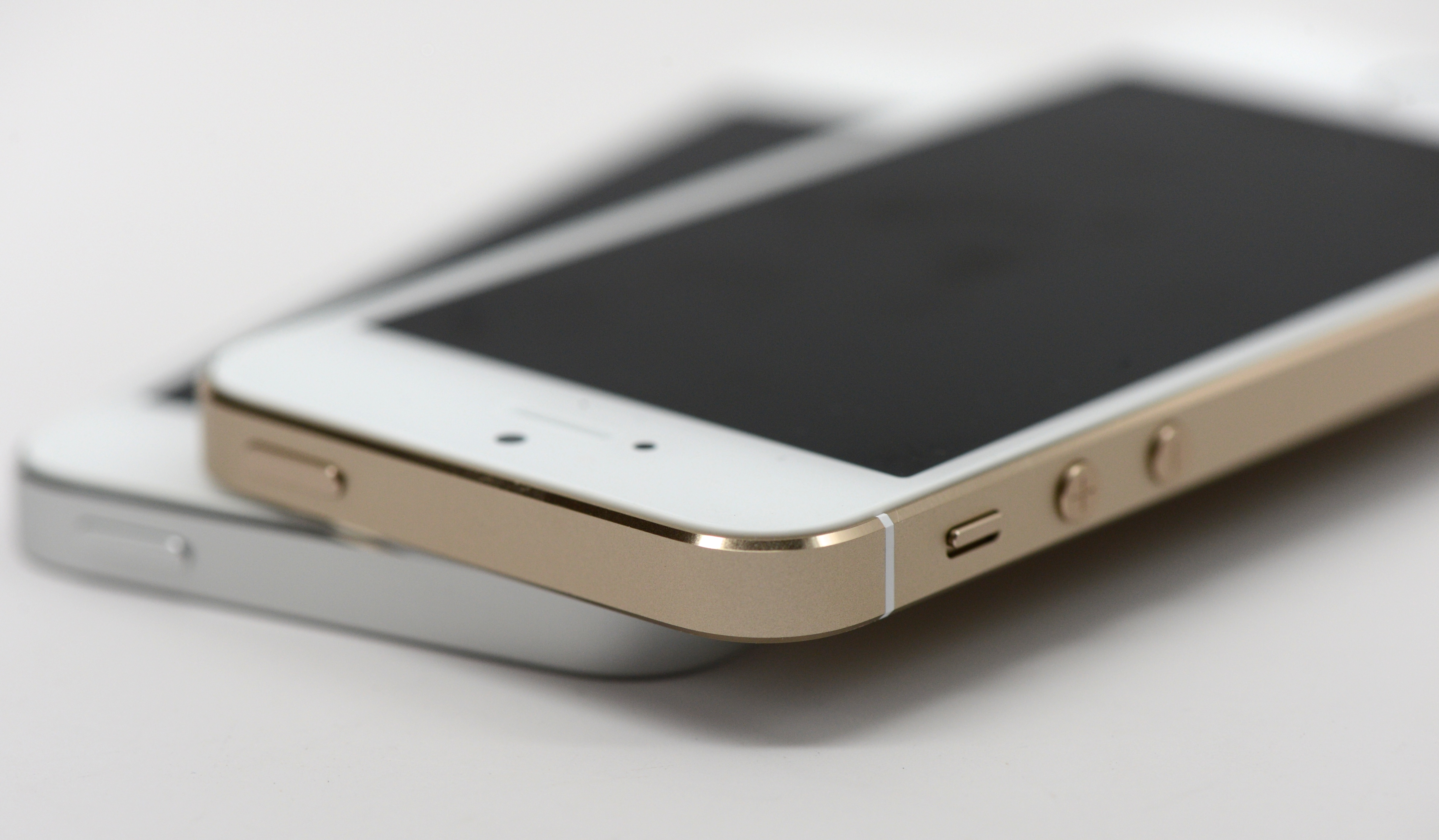 iphone 5s white and gold 7 tips for gold iphone 5s buyers 3302