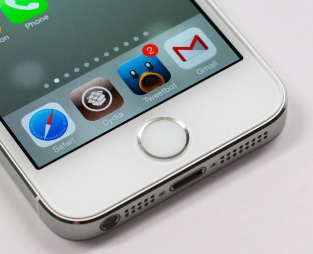 The iOS 7 jailbreak progress continues as a team member shares details.