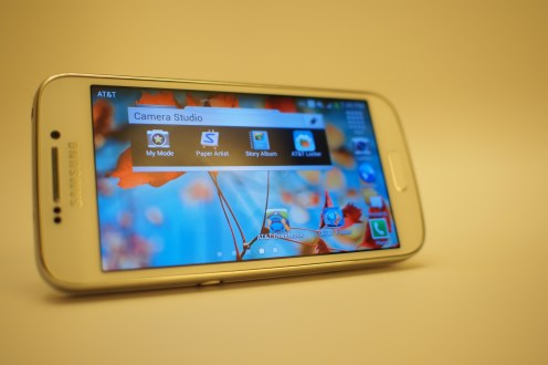 Galaxy S4 Zoom for AT&T features a home screen that can be reoriented into landscape orientation, something that the international Galaxy S4 Zoom cannot do. This is a nice feature as you'll likely be using landscape mode for the camera most of the time.