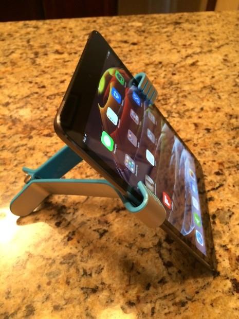 Felix TwoHands and the iPad mini with Retina Display