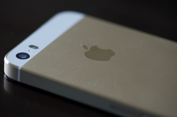 The iPhone 5s black friday deal at Target cuts the price by $50.