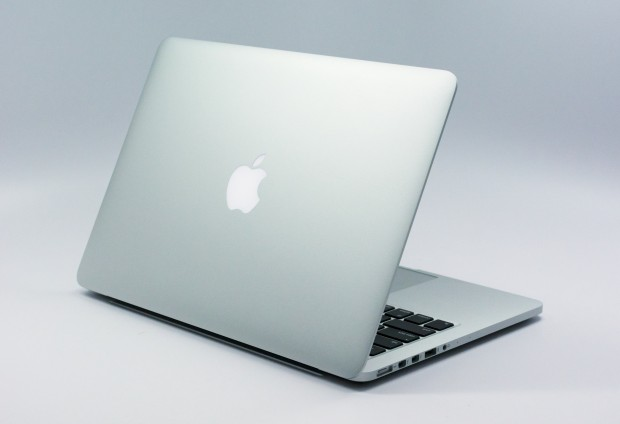 The 13-inch MacBook Pro Retina design is familiar.