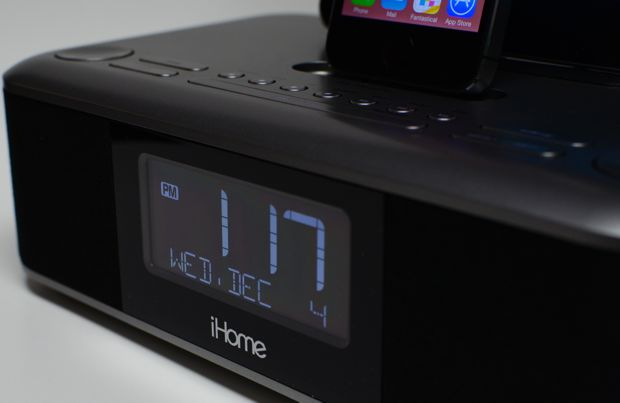 iHome iDL100 Triple Charging Dock with Lightning Connectors
