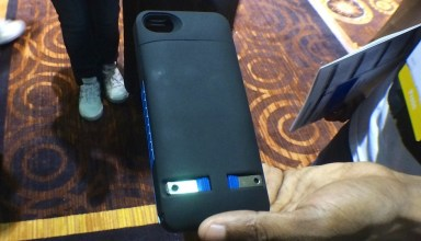 This iPhone 5s case has a built-in plug to charge at any outlet, without a cord.