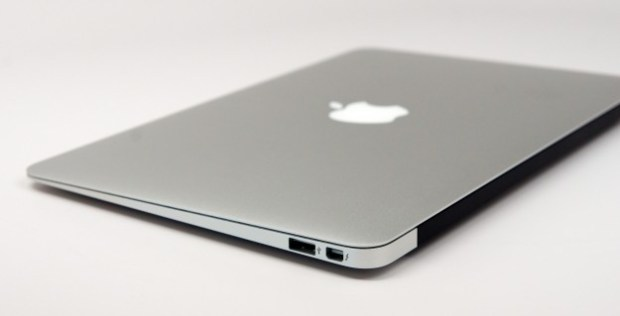 A new MacBook Air 2014 model could use a new trackpad and arrive without fans.