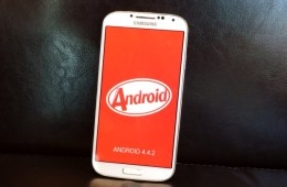 The Samsung Galaxy S4 Android 4.4.2 problems frustrate users.