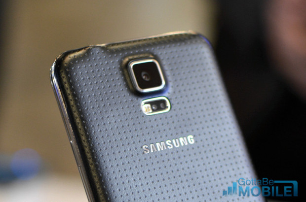 A fire could cause some Galaxy S5 release issues.