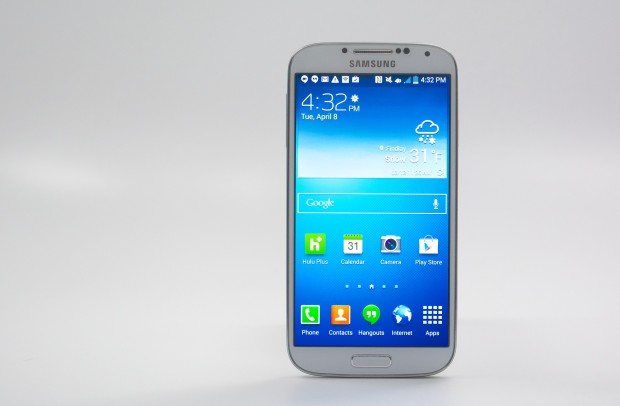 The Galaxy S4 display looks very nice, even a year into its life.