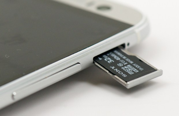 htc-one-m8-sd-card-slot