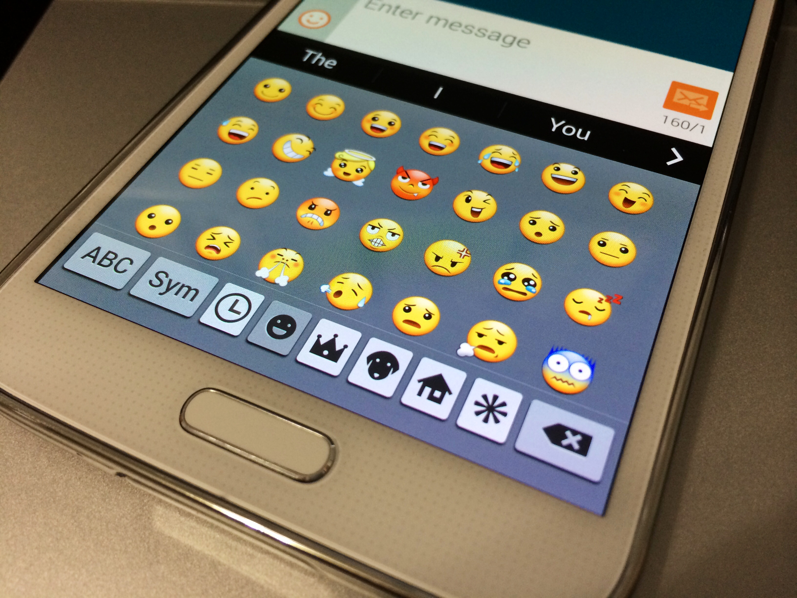 How to use emoji on the galaxy s5 galaxy note 3 galaxy s4 heres how to use the emoji galaxy s5 keyboard which also lets you use emoji buycottarizona Images