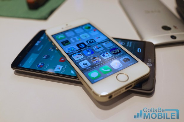 LG G3 vs iPhone 5s Display Comparison