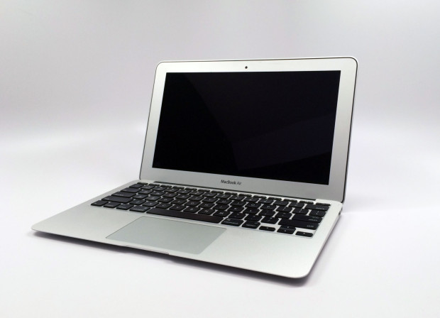 Apple plans to launch a MacBook Air Retina in late 2014 according to a new report.