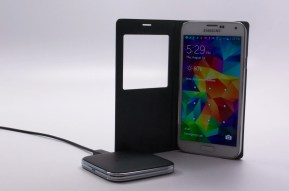 Galaxy S5 Wireless Charging S View Flip Cover Review - 3