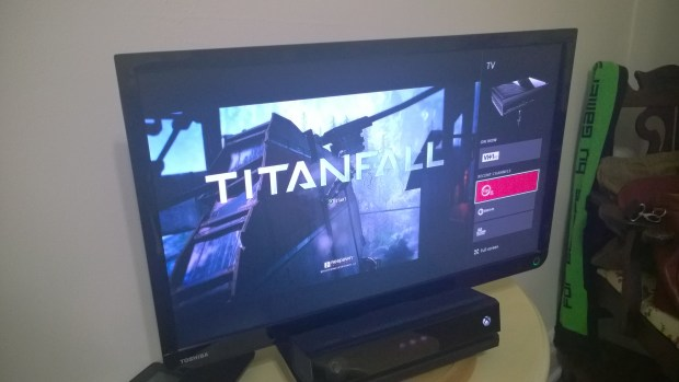 How to Play A Game & Watch TV on the Xbox One  (11)