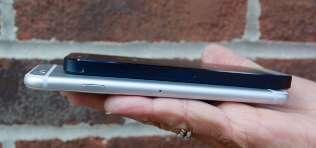 This shows the curved iPhone 6 edges compared to an iPhone 5.