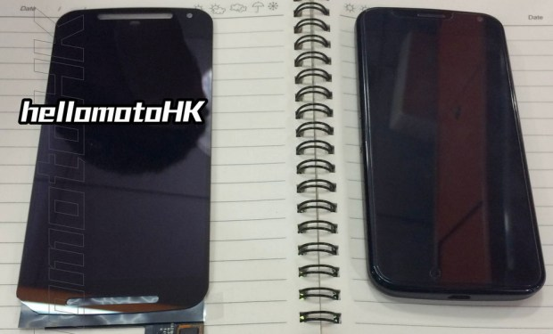 Moto X+1 (left) vs Moto X (right)