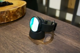 Moto 360 Hands On - 3