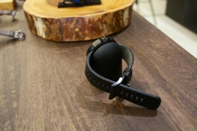 Moto 360 Hands On - 4