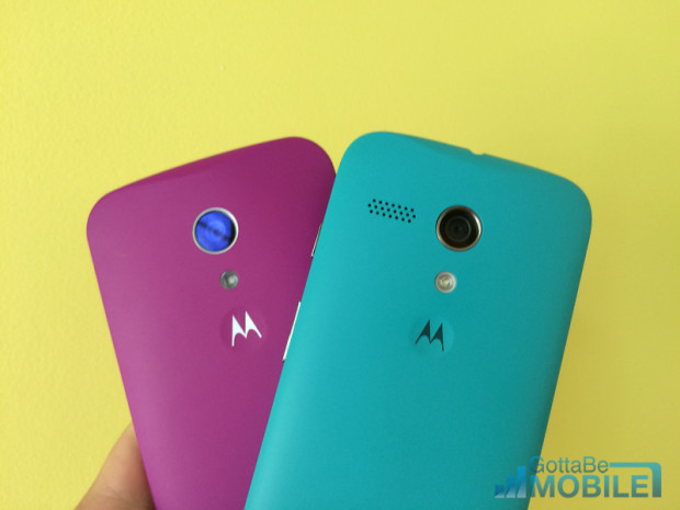 Moto G (2014) left vs Moto G on the right