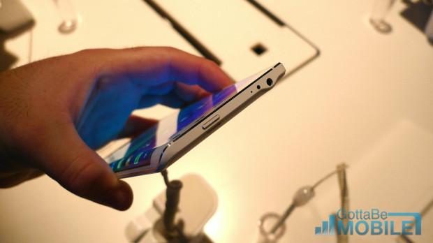 Samsung Galaxy Note Edge Photos 2