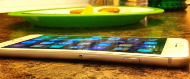 Another example of the iPhone 6 bending.