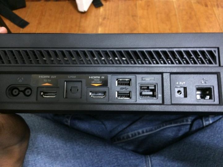 how-to-setup-the-xbox-one-hardware-2-e1427312139214-720x540