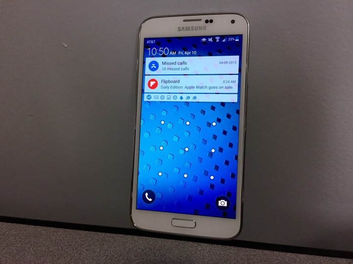 I did not experience any noticeable Android 5.0 bugs on the AT&T Galaxy S5.