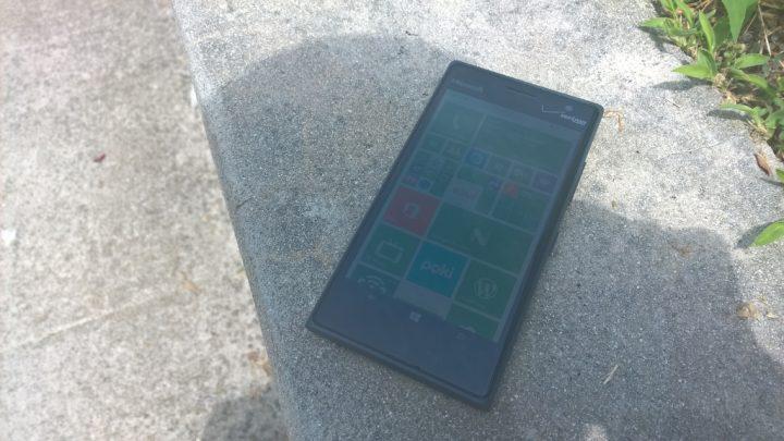 Nokia Lumia 735 Review (1)
