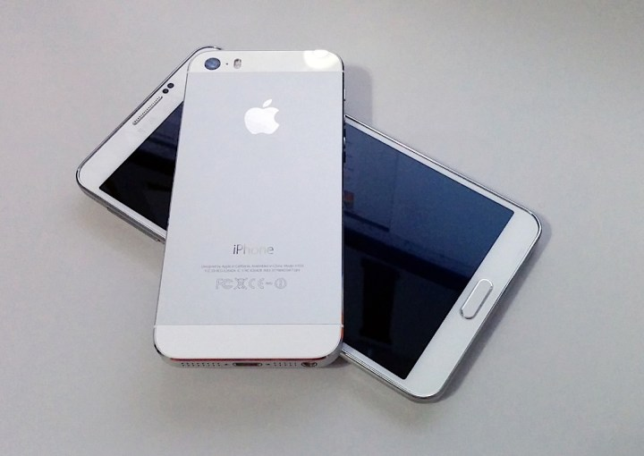 iPhone 5s iOS 8.4 Review