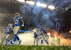 iPhone 6 Plus Photo Samples NFL Lions vs Broncos - 15