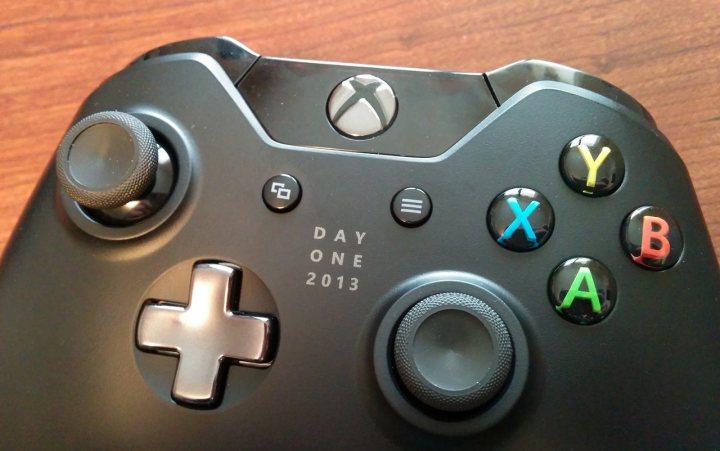 Expect plenty of Xbox One accessory Black Friday 2015 deals.