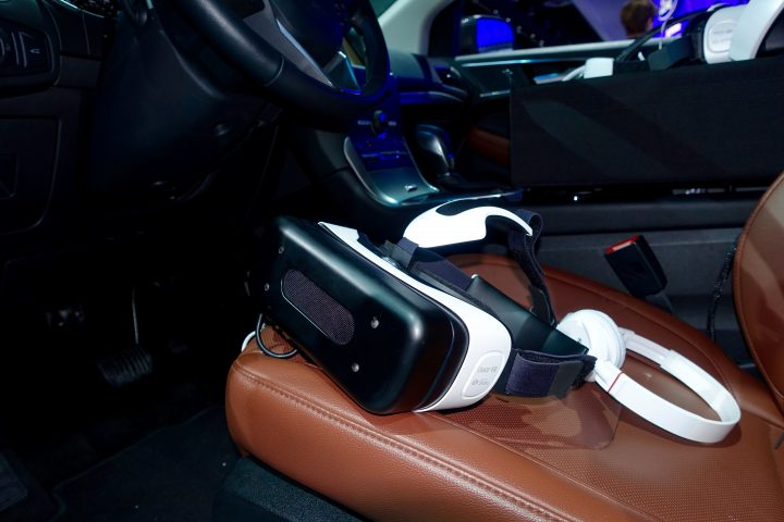 Use Samsung Gear VR to go on a virtual adventure at the Detroit Auto Show.