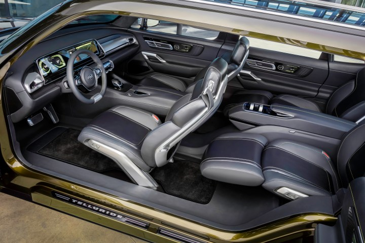 The Kia Telluride Concept features a smart interior.