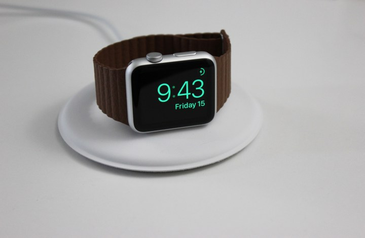 apple-watch-dock-4
